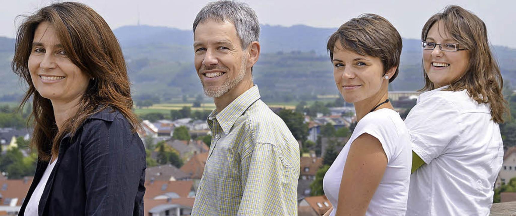 Die Mitarbeiter der Plenum-Geschäftsst...h, Franziska Nevoigt und Andrea Löwl.   | Foto: Felix Held (2)
