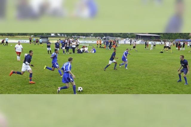 Fußball in allen Klassen im Wettstreit um Preise