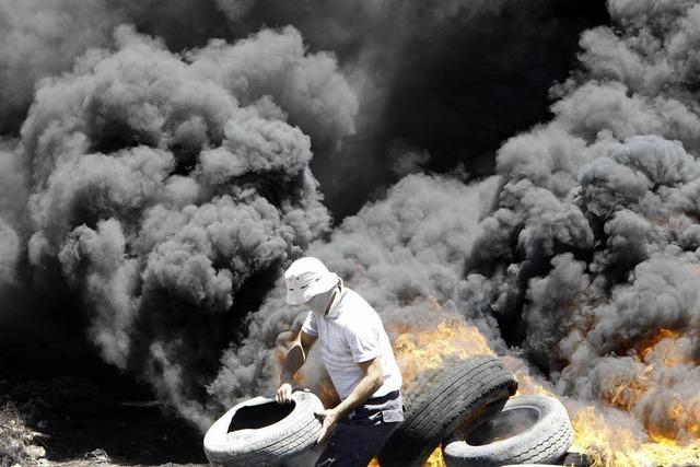 Mehr als 100 Tote in Gaza, Hamas attackiert Flughafen
