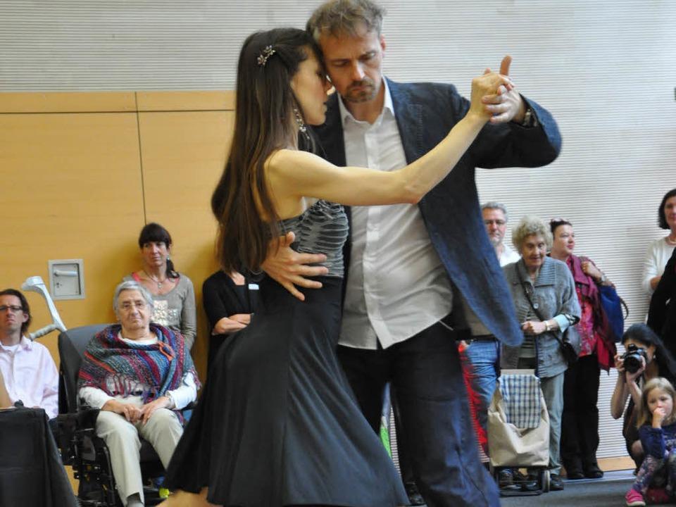 Isabel Case und Stefan Welz schwangen das Tanzbein.  | Foto: Rainer Ruther