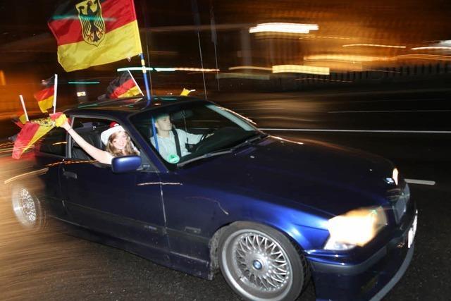 Ärger bei Freiburger Auto-Korso: Kaum ein Wagen kommt unbeschädigt durch