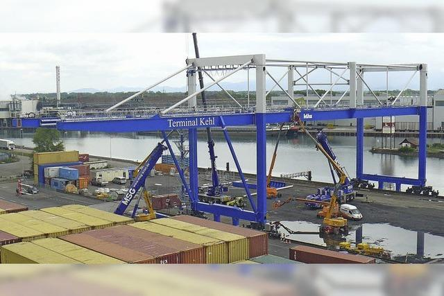Rheinhafen Kehl investiert 4 Millionen Euro in neuen Riesenkran