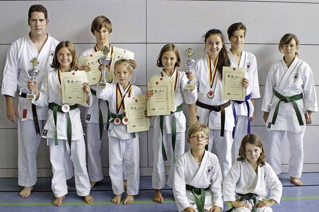 Drei Titel für Karateka