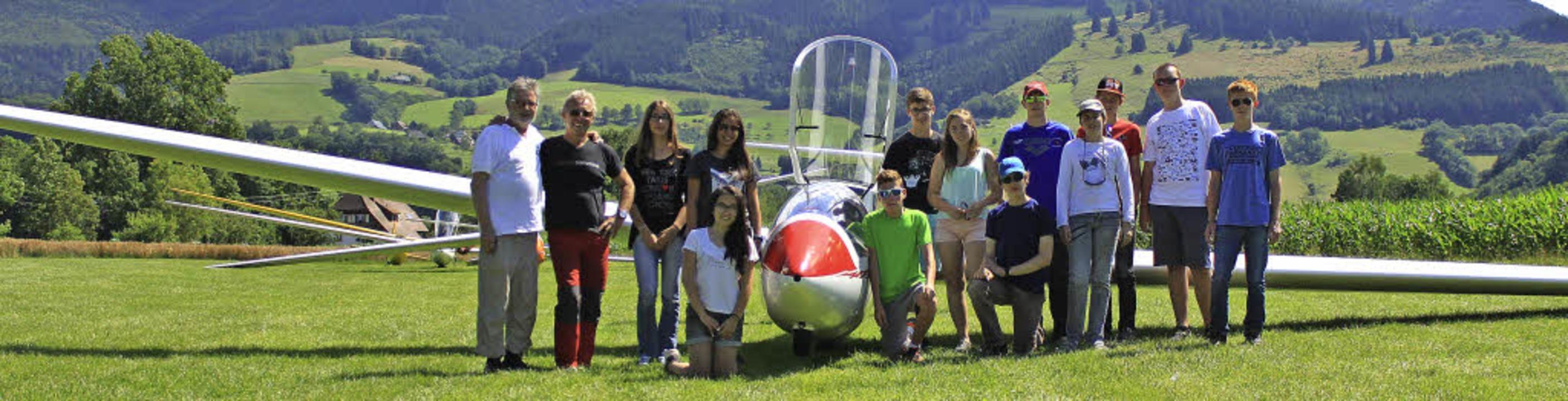 Hoch hinaus geht es für 16 Segelflugsc...ein für Segelflug BVS aus Kirchzarten.  | Foto: Lara Walter