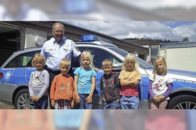Kindergarten Wies besucht die Polizei