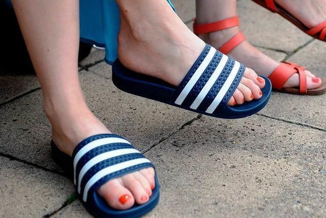Adiletten liegen schwer im Trend – Sauna-Optik auf der Straße