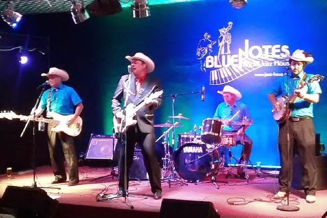 Freiburger Cowgirls retten den Tag für die Four Piece Band