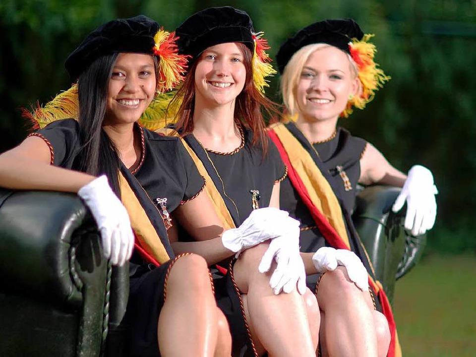 Aimee Moll, Regina Busch und Johanna B...Verbindung der AV Normannia zu Mainz.   | Foto: dpa