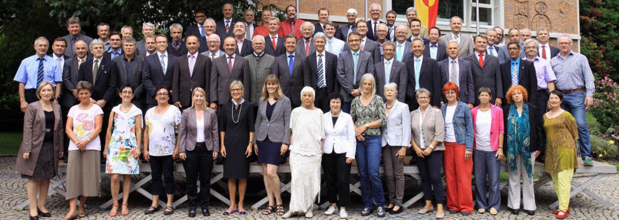 Gruppenbild mit Damen: der neue Kreist... Landkreises Breisgau-Hochschwarzwald   | Foto: Kreismedienzentrum