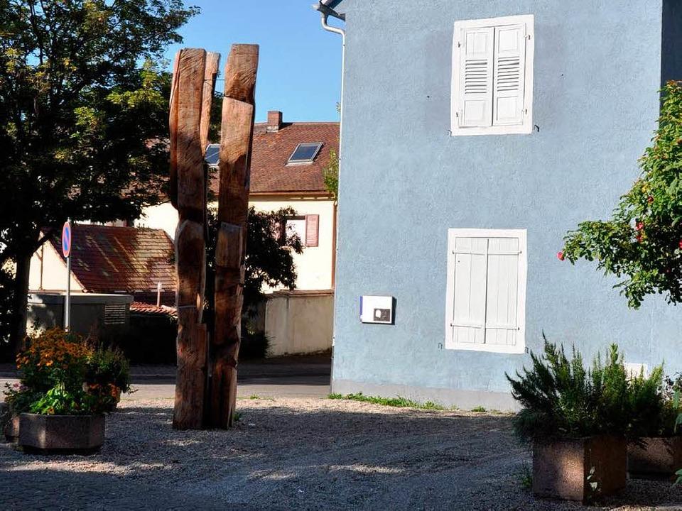 Der Platz vor dem Blauen Haus soll ab ... letzten jüdischen Kantor in Breisach.  | Foto: Kai Kricheldorff
