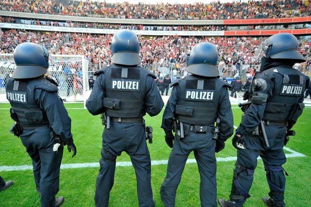 Streit um Polizeikosten: Bremen bittet DFL zur Kasse