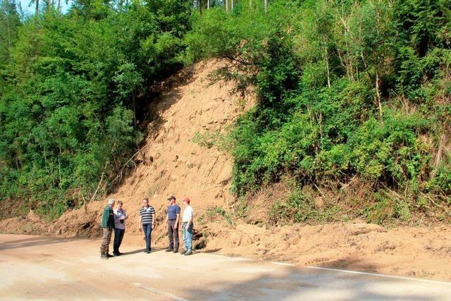 Straße nach Erdrutsch bis Freitag gesperrt