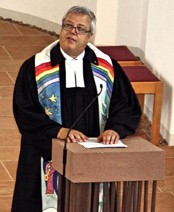 Marchs evangelischer Pfarrer Martin Schmitthenner bei seiner  Abschiedspredigt.  | Foto: h. binninger