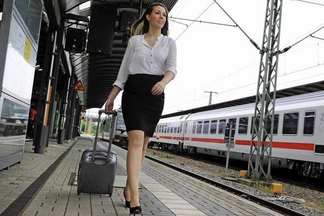 Akten studieren im Zug