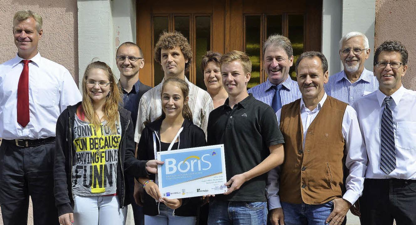 <Text>Bürgermeister Oliver Rein (links...svorbereitung der Absolventen. </Text>  | Foto: hans-jochen voigt