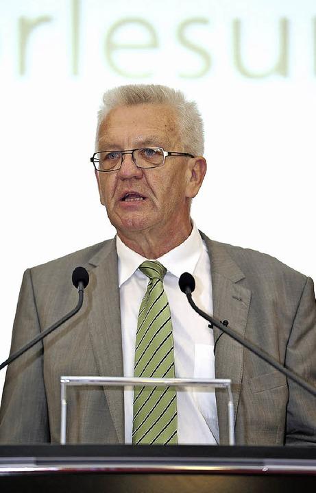 Politisch korrekt unterwegs: der grüne Landeschef  Winfried Kretschmann     Foto: Thomas Kunz