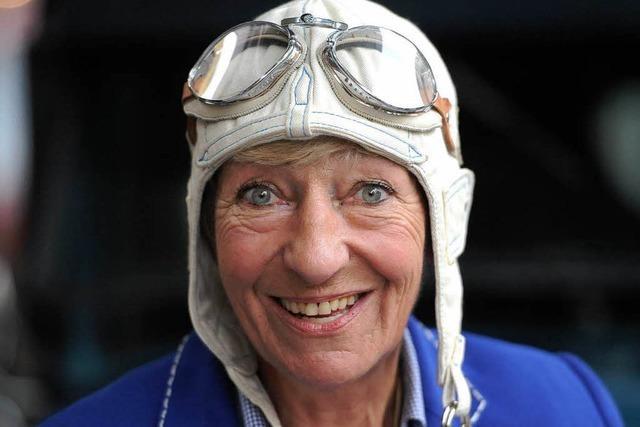 77-Jährige bricht in Oldtimer zu zweijähriger Weltreise auf