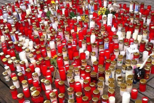 Trauermarsch für Armani: Hunderte nehmen Abschied