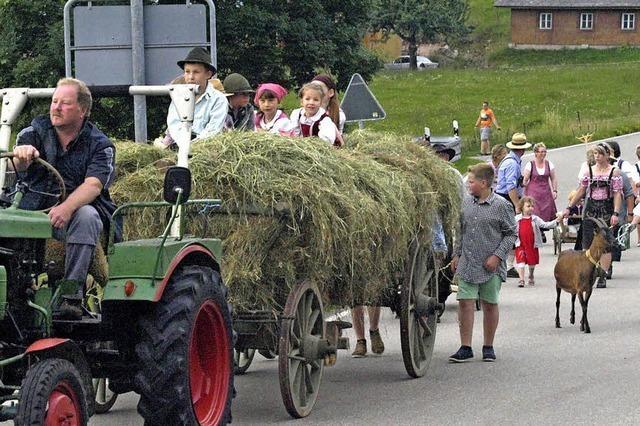 Landwirte feiern die Heuernte
