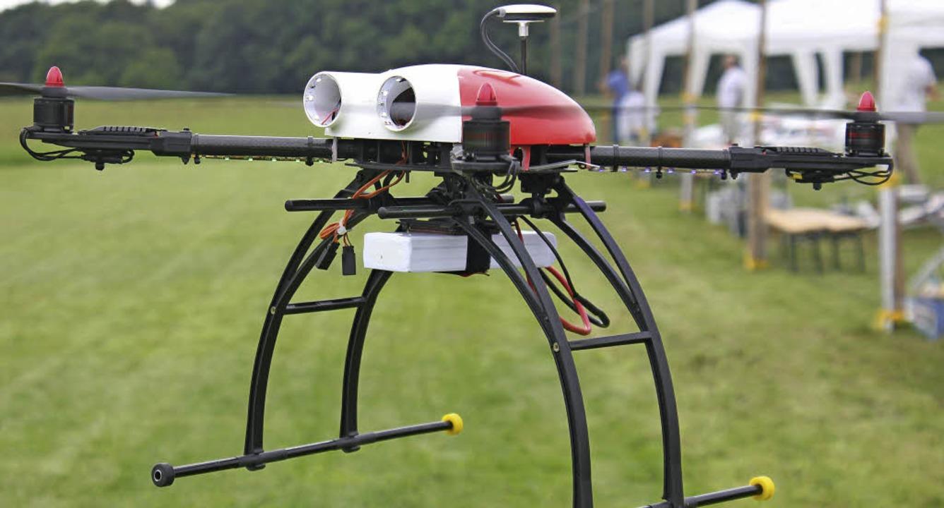 Unbemannt: Eine GPS-gesteuerte Drohne bei den Modellflugtagen in Harpolingen  | Foto: Rita Freidl