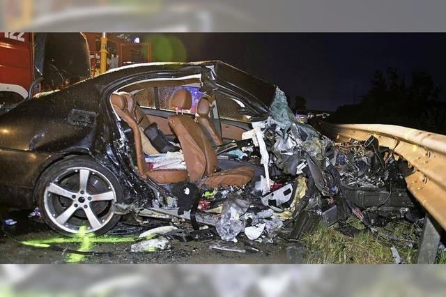 Zwei Wehrer sterben auf Autobahn