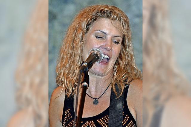Country im Gewölbekeller mit Kim Carson & Band