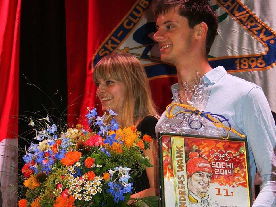 Der Olympiasieger und seine Partnerin bei der Ehrung im Kurhaus.   | Foto: Dieter Maurer
