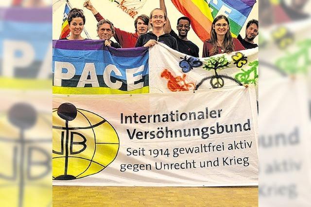 Radler im Namen von Frieden und Gewaltverzicht