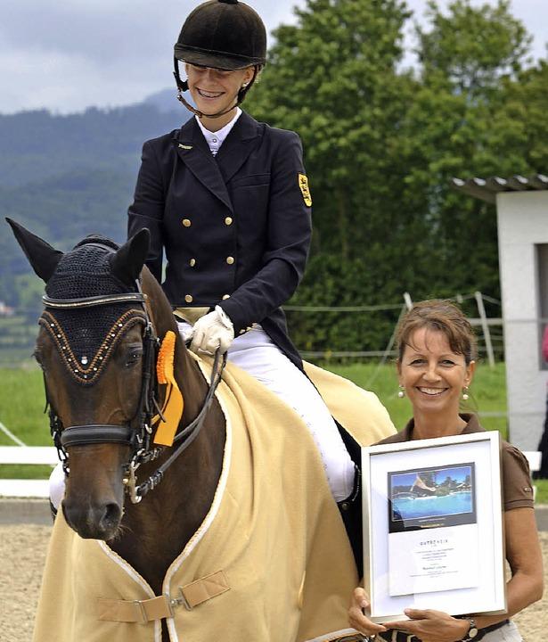 Die beiden Besten im Prix St. Georges ...aballus Grißheim) auf Sister Sunshine     Foto: jochen Dippel/achim Keller