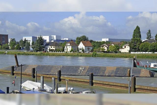 Schiffsunglück auf dem Rhein mit 3 Schiffen