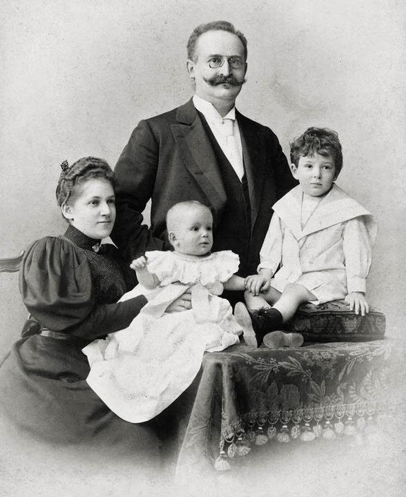 Buch: Die Benjamins. zu sehen: Pauline...g (6 Monate). Aufnahme von Anfang 1896  | Foto: Privatarchiv Ursula Benjamin