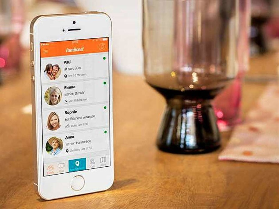 Die Familonet-App ermöglicht es der ga...lie, den eigenen Standort mitzuteilen.  | Foto: Familonet