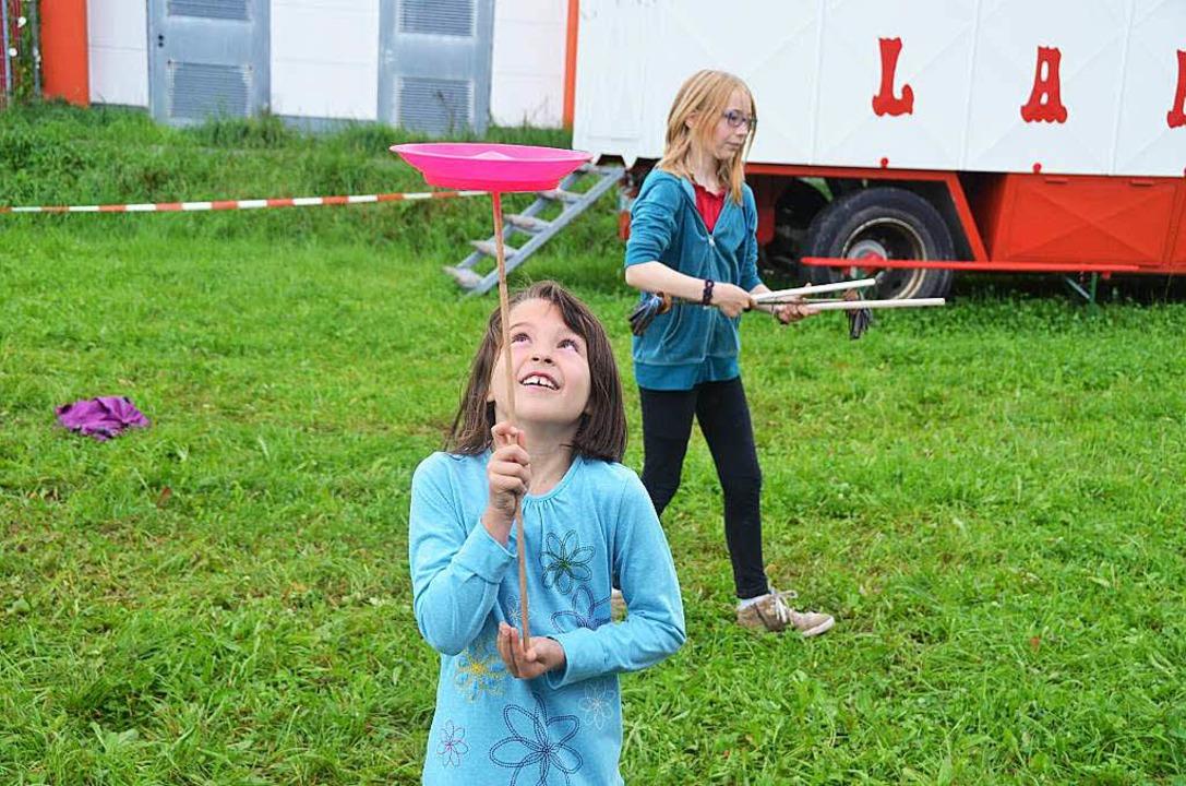 Gar nicht so einfach: Das Jonglieren  | Foto: Artur Just