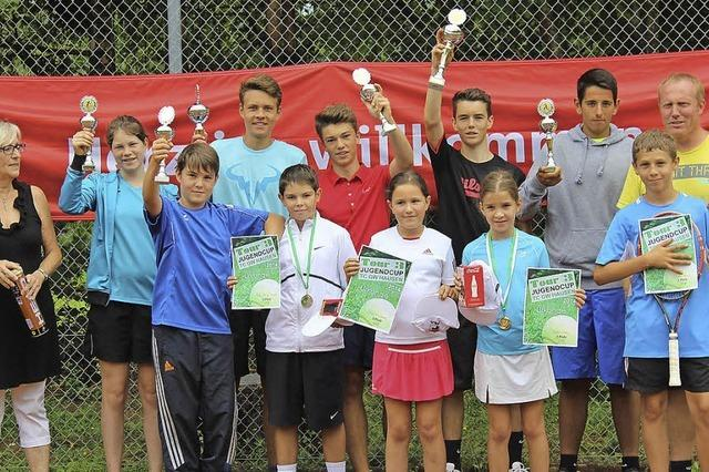 Tennisjugend kämpft fair