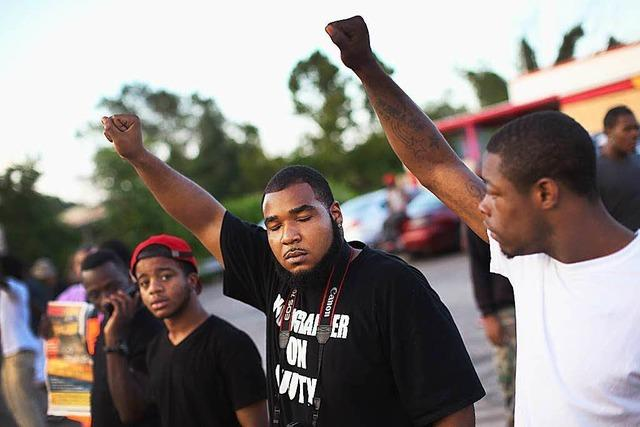 Todesschüsse auf schwarzen Teenager: Unruhen halten an