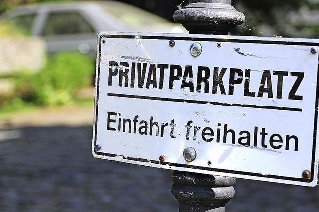 Park' dein Auto in einer fremden Hauseinfahrt