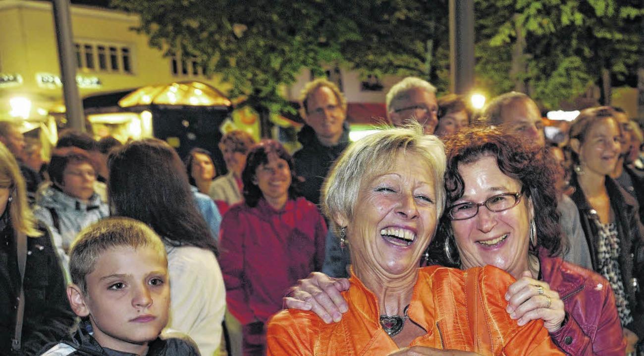 Gute Stimmung: Der Samstagabend gehört...sonntag den Vereinen und Gastronomen.   | Foto: Sigwart