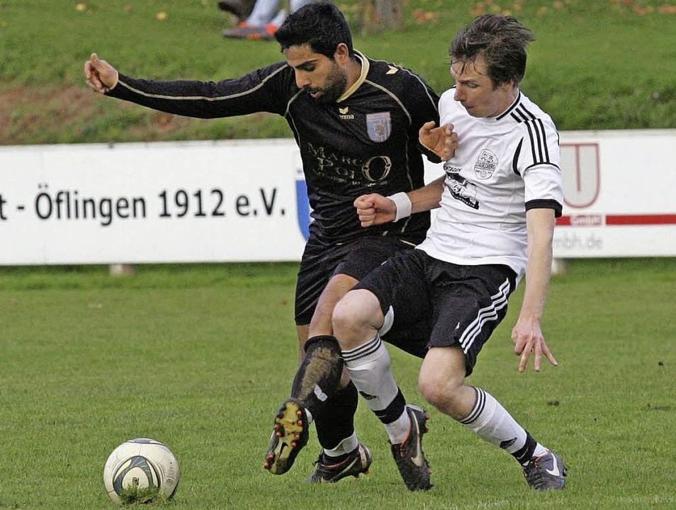 Gehen künftig getrennte Staffelwege: M...nks) und  Lorenz Ebi vom FC Dachsberg.  | Foto: Neubert
