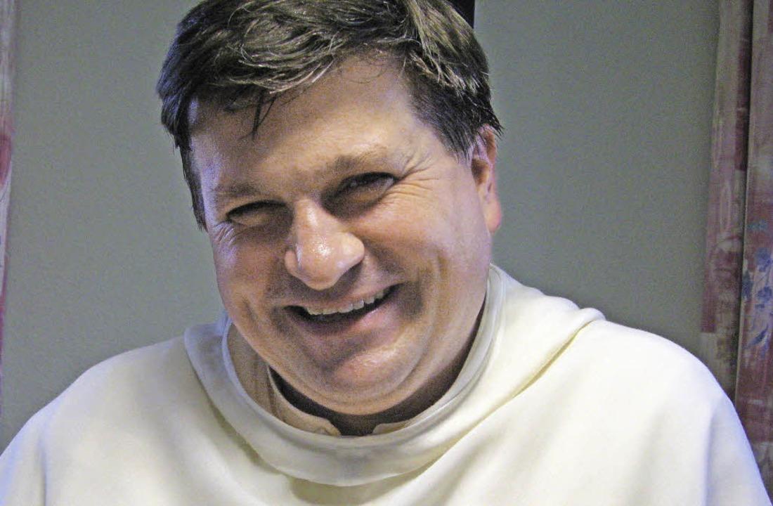 Pater Peter verlässt schweren Herzens ...det sein Abschiedsgottesdienst statt.   | Foto: Ulrike Spiegelhalter