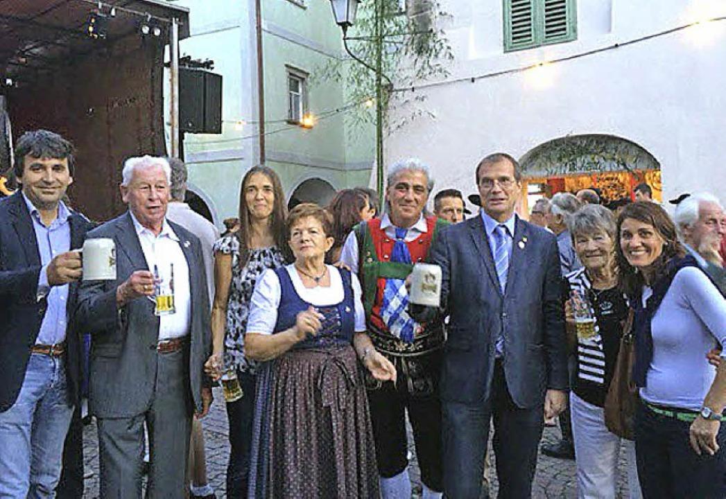 Rheinfelder feiern das 40. Laubenfest in Neumarkt.  | Foto: ZVG