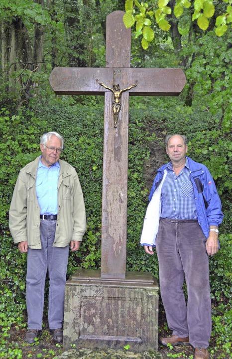 Der glücklichen Heimkehr gewidmet: Sie...e Kreuze auf der Gemarkung Inzlingen.   | Foto: Ansgar Taschinski