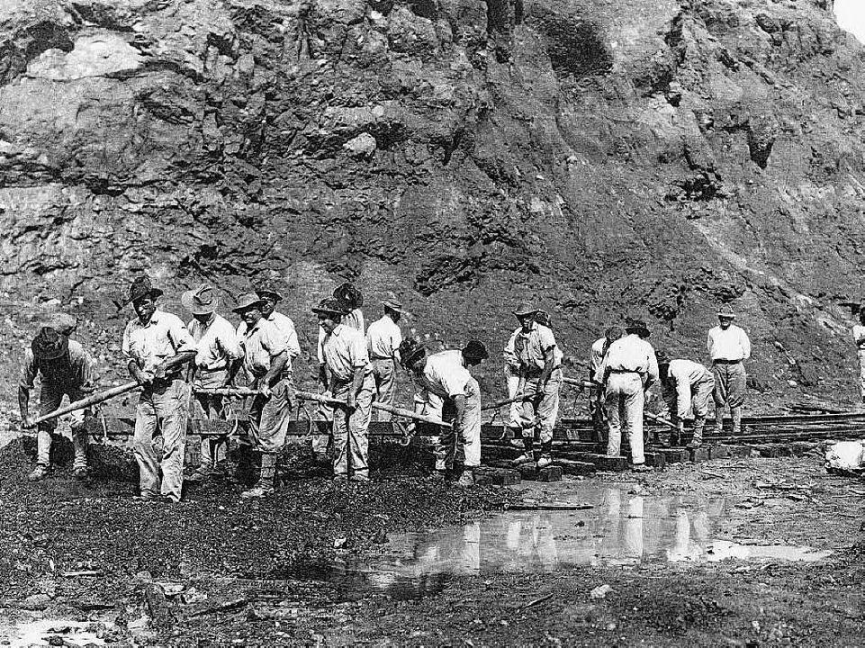 Die Arbeit am Panamakanal war 1913  eine quälende Schufterei.  | Foto: AFP