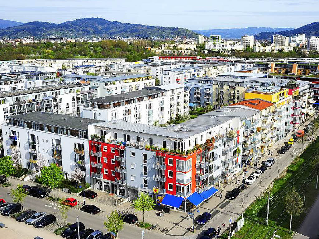 experten streiten ber immobilien spekulationsblase in freiburg freiburg badische zeitung. Black Bedroom Furniture Sets. Home Design Ideas