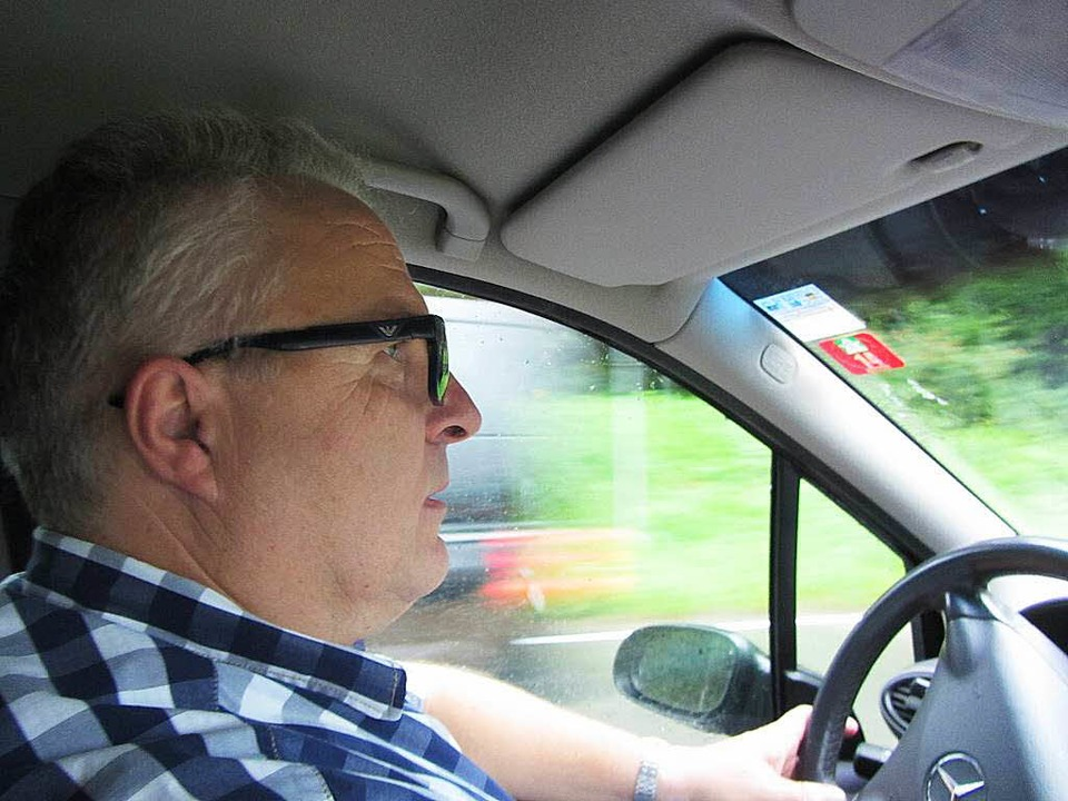 Herrischrieds Bürgermeister Christof Berger pflegt eine sportliche Fahrweise.  | Foto: Katja Mielcarek