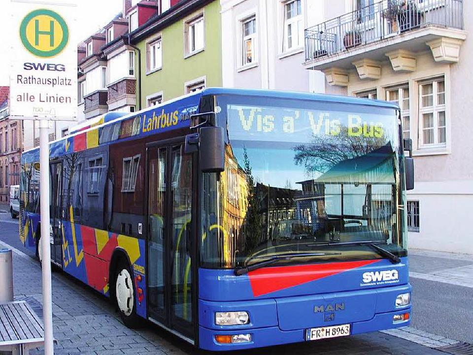 Mit dem Vis-à-Vis-Bus gelangt man bequem ins elsässische Obernai.  | Foto: BZ