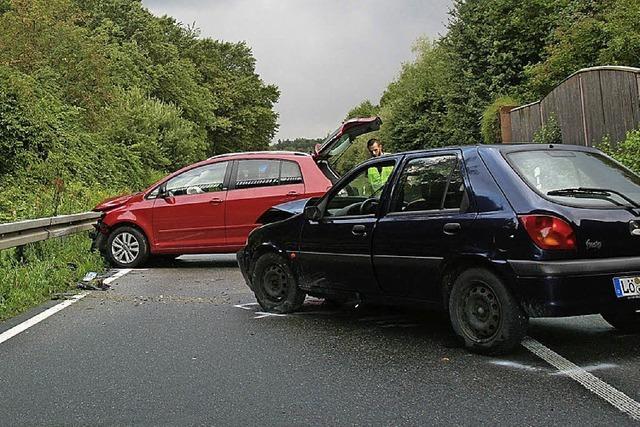 Schwerer Verkehrsunfall auf der B 317