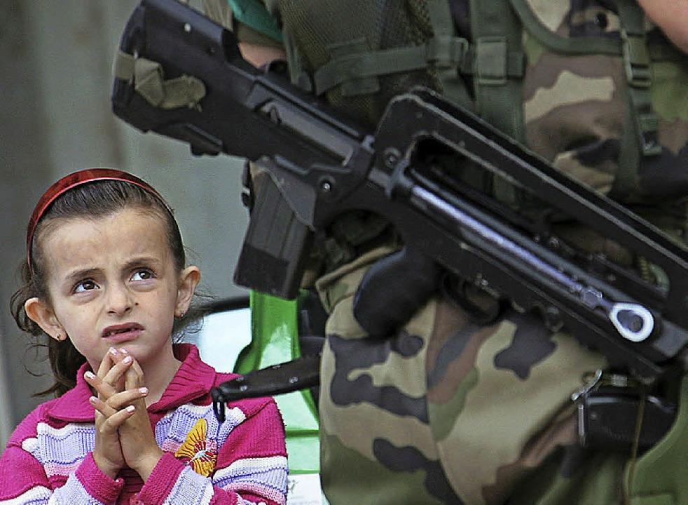 Soldaten machen Angst  | Foto: epa Valdrin Xhemaj