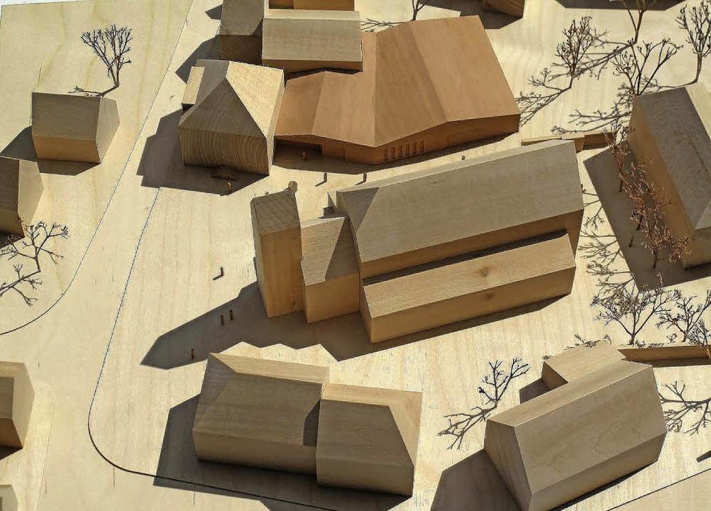 Das im Gemeinderat vorgestellte Modell...as neue  Gemeindezentrum  anschließen.  | Foto: Modell: Büro Spiecker und Sautter
