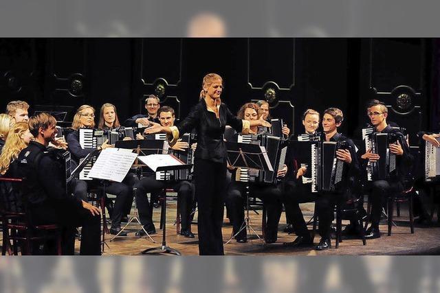 Akkordeon-Landesjugendorchester spielt in der Herz Jesu Kirche Freiburg