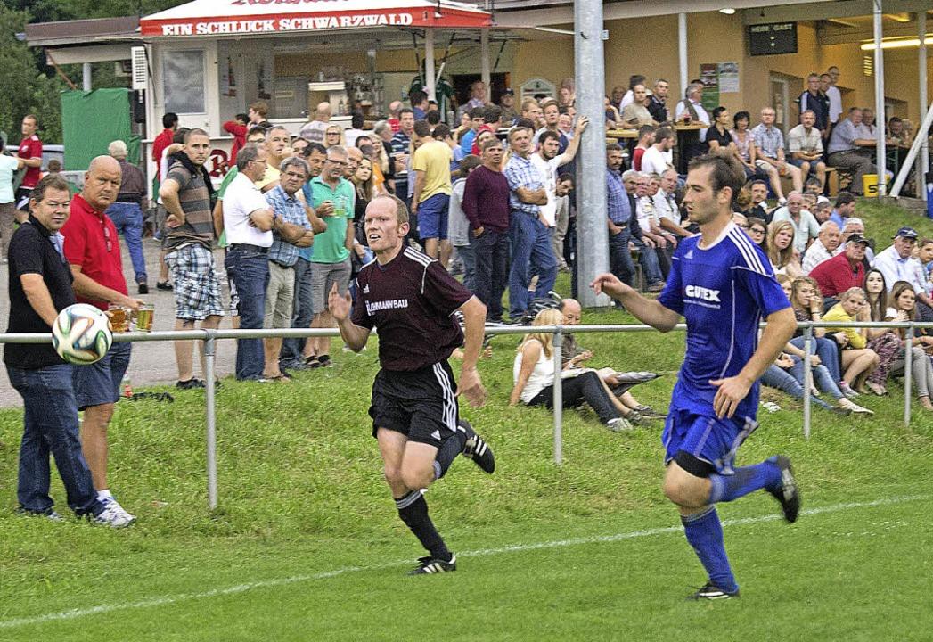 Die Zuschauer erlebten bei der Sportwo...termettingen ein spannendes Endspiel.   | Foto: Wilfried Dieckmann